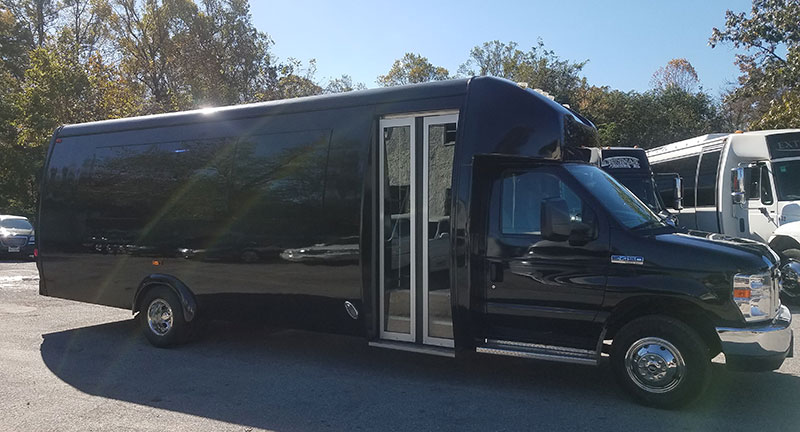 23 passenger executive coach exterior